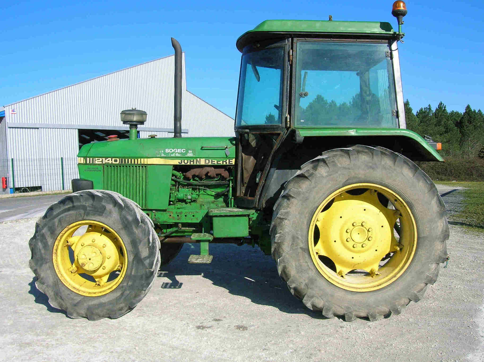 tracteur agricole john deere 2140 vendre sur guenon. Black Bedroom Furniture Sets. Home Design Ideas