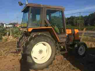 Tracteur agricole Renault 61.12 RS - 1