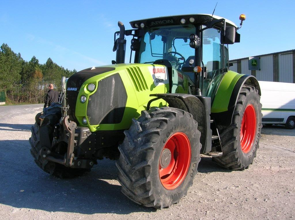 Tracteur agricole Claas ARION 620 - 1