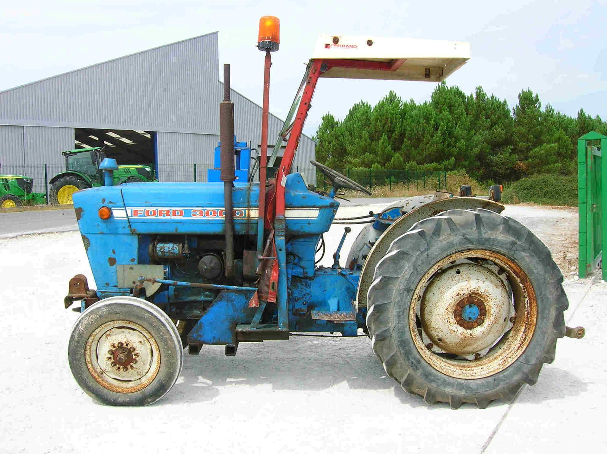 tracteur fruitier ford 3000 vendre sur guenon. Black Bedroom Furniture Sets. Home Design Ideas